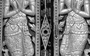ワット・シェンモアン寺院の扉