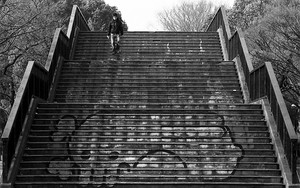 落書きのある階段