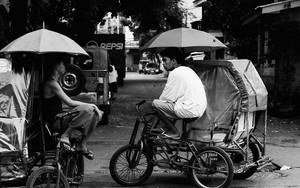 Chat Under Umbrellas
