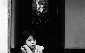 玄関の少女