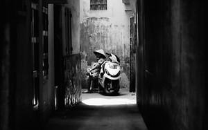 袋小路のバイク