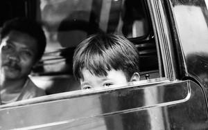 Peeping Boy