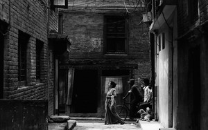 A Group In The Alley