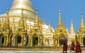Monks In Shwedagon Paya