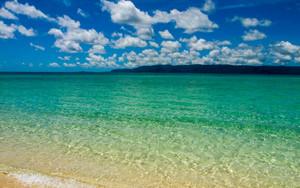 鳩間島の青い海