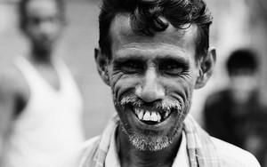 Rickshaw Man Scrunching Up His Face