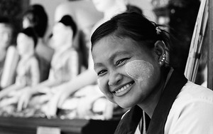 Smile In Shwedagon Paya