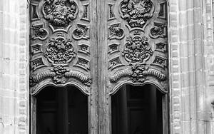 Entrance Of Cathedral Metropolitana