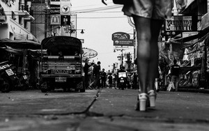 Legs In Khaosan Road