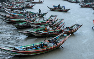 Fishing Boats On Dalah River