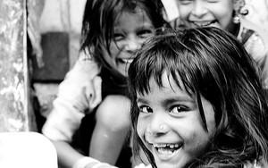 女の子の笑い顔