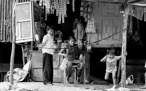 Children In Front Of A Shop