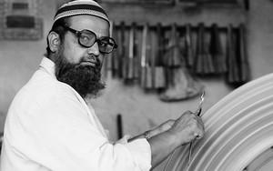 Taqiyah, Glasses And Big File
