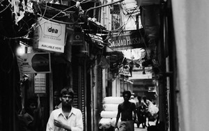 Dim Alleyway In Kolkata