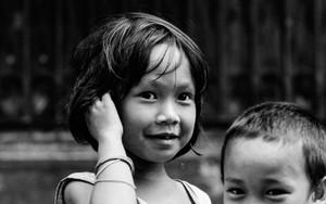 子供達は道で遊んでいた