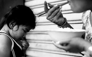 少女とご飯