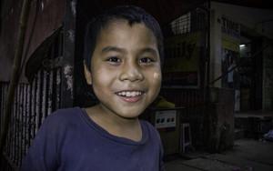 喫茶店にいた男の子の笑顔