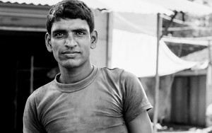 Glance Of A Laborer