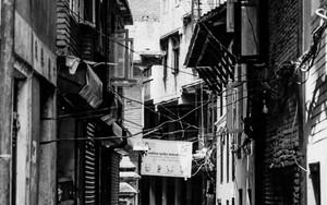 旧市街の薄暗い路地