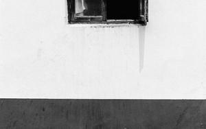 半分開いていた窓
