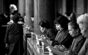 Women In Hsing Tian Kong