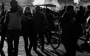ジャマ・エル・フナ広場のシルエット