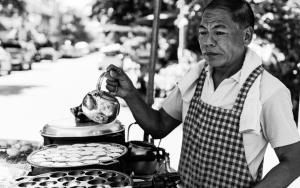 Man Cooking Khanom Khrok